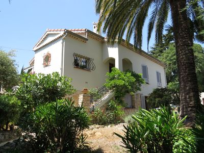 Photo for Charming apartment in Nice traditional style villa (private pool)