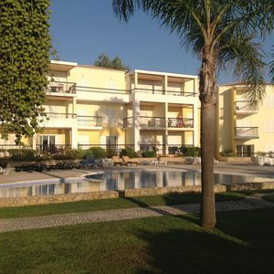 Photo for Excellent holiday apartment in Clube Alvor Ria