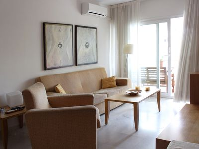 Photo for Modern Apartment on the Beach