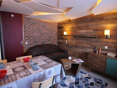 Photo for Surface area : about 23 m². Orientation : South. Living room with bed-settee. Cabin with 2 bunk beds