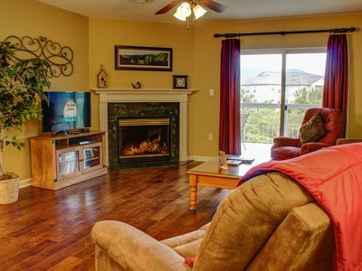 Photo for Semi-Handicap 2 BR Downtown Pigeon Forge, King Beds