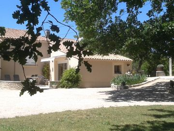 Le Chinaillon, holiday appartment in Saumane de Vaucluse, near facilities