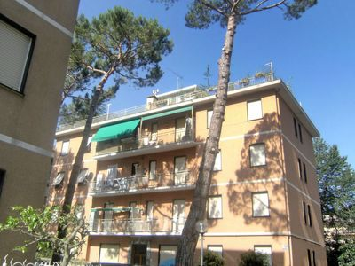 Photo for 2 bedroom Apartment, sleeps 3 with Walk to Shops
