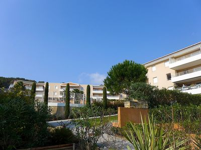 Photo for Apartment in the center of Cavalaire-sur-Mer with Lift, Parking, Internet, Washing machine (317233)