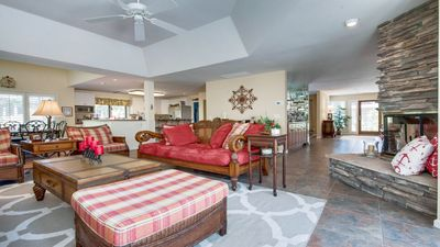 Beautiful Remodeled! 5th Row Ocean Home on Walkway to Beach. Book 6 Surf Scoter Now!