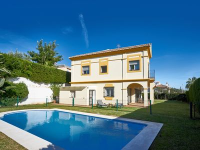 Photo for Magnificent Villa with Pool Next to the Sea, Chilches Costa