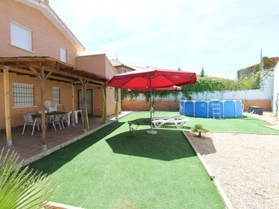 Photo for House in Seseña with Parking, Internet, Washing machine, Air conditioning (637091)