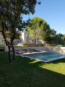 Photo for Modern farmhouse in Uzès, heated pool, jacuzzi sauna and gym