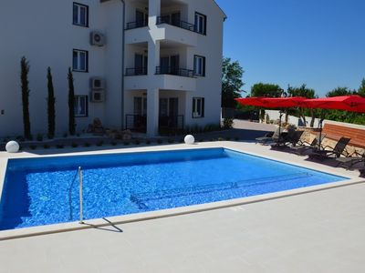 Photo for Apartment in the center of Peroj with Parking, Internet, Air conditioning, Pool (692771)