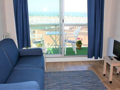 Photo for ARCACHON, Studio, sleeps 3, with balcony view harbor and Basin