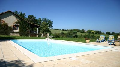 Photo for Holiday house with private pool in the heart of Black Perigord
