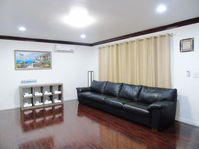 Photo for 5Beds,2Bedrooms,Entire Back House,LuxuryComfy,Clean,COZY,FREE Parking,靠近圣盖博华人区