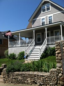 Victorian Cottage with Wraparound Porch, Sleeps up to 12.