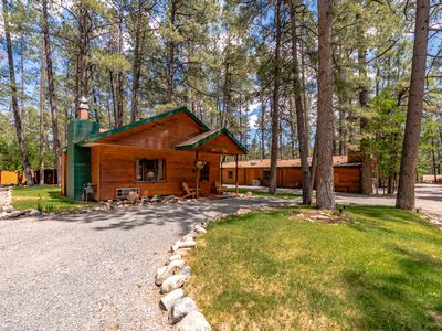 Photo for The perfect couple's retreat in Ruidoso's quiet Upper Canyon!  Relax in the private outdoor hot tub!