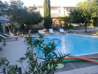 Photo for Cottage in L'Isle sur la Sorgue, St Antoine area, air conditioning and pool, linen provided