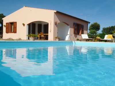 Photo for Independent house with private pool, tennis and free wi-fi flat near Castelsardo