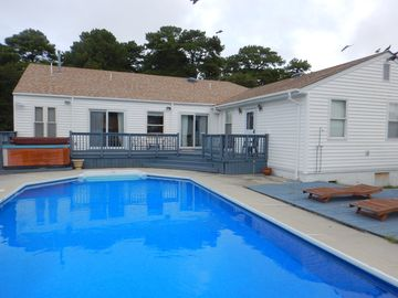 Waterfront House with Docking -Boaters Paradise- Walk or Ride Your Bike to Beach