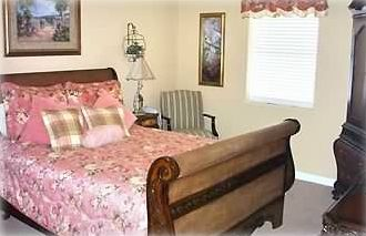 Bed Room with Queen Sleigh Bed