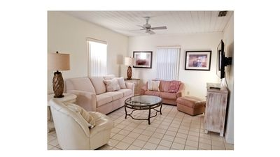 Photo for Cozy Manasota Florida Cottage with Access to Beach