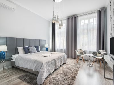 Photo for Modern Two Bedroom Apartment 5 min to the Main Square AH14
