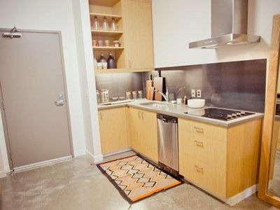 Oakwood Portland Pearl District - Studio Furnished Apartment