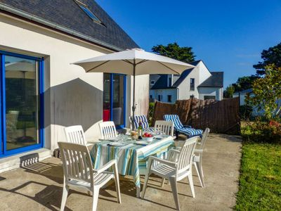 Photo for Vacation home La Brise in Quiberon - 8 persons, 4 bedrooms