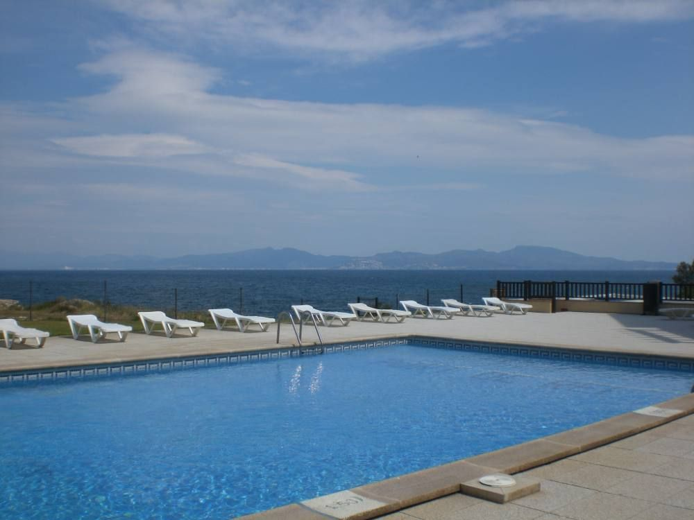 Appartementer See l escala waterfront apartment residence with 6640801