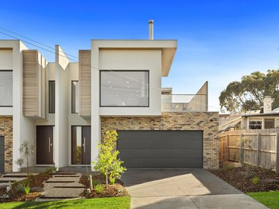 Photo for Contemporary townhouse which captures views across to bass strait