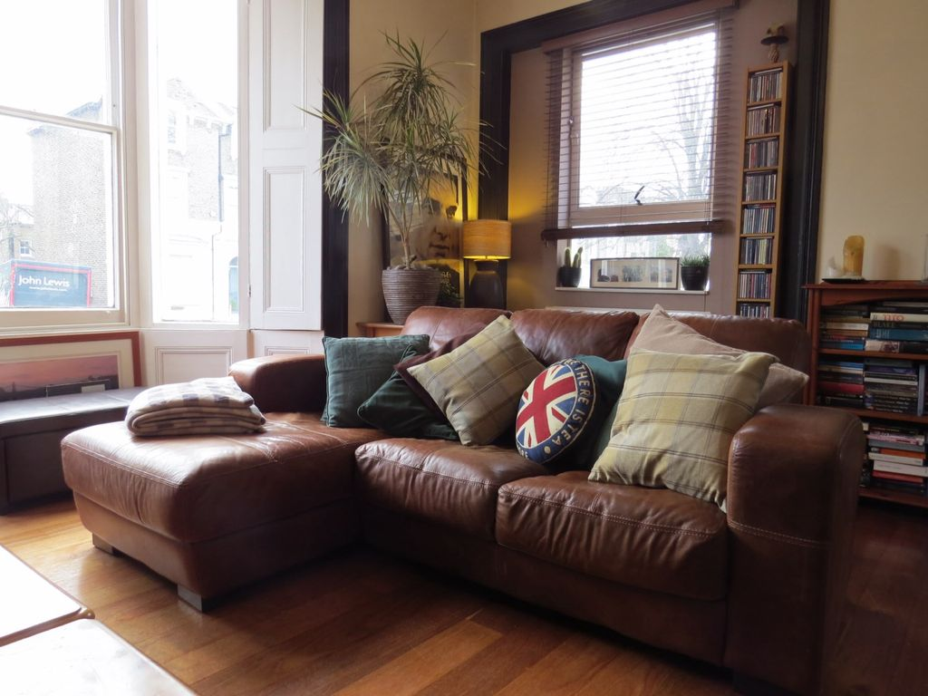 Richmond Upon Thames Apartment Rental   Bright, Double Aspect Living Room