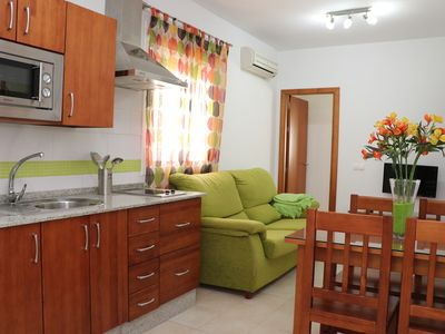 Photo for Central apartment for 4 with air-con