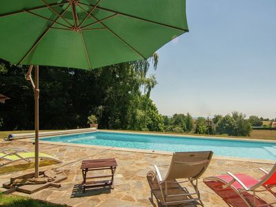 Photo for Detached villa with pool, private garden and a beautiful view.