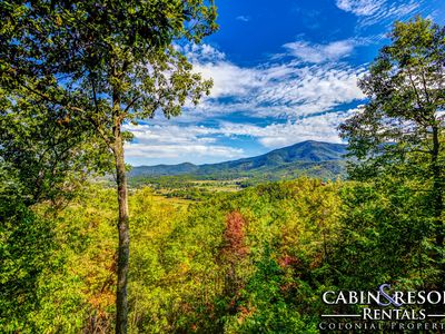 Photo for A Beautiful Backdrop - 4BR/3BA - Sleeps 12