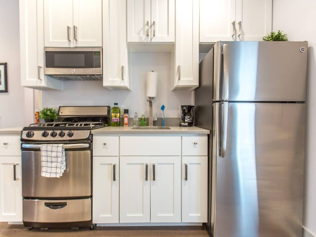 Most Comfortable Space in Downtown Austin! (C1) - Two Bedroom Apartment, Sleeps 8