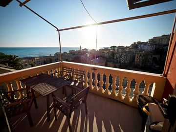 Search 905 holiday lettings