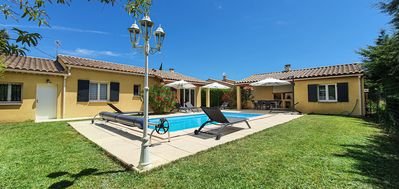 Photo for Villa with private pool in Provence 35 km from Mont Ventoux