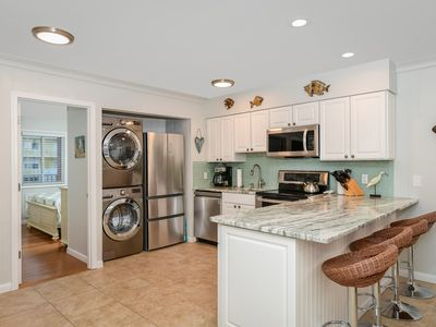 Photo for Newly Renovated 3 Bedroom Uptown Ocean Block Condo!