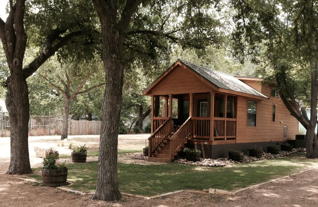 'The Cabin' (Small Town Charm W...