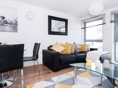 Photo for Stylish and Convenient 2BR Manchester Balcony Flat