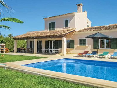 Photo for Modern, spacious villa with all modern amenities and a pool, close to various attractions