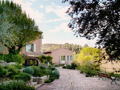 Photo for Villa Le Hameau / Provençal hamlet located in the heart of a wine-growing
