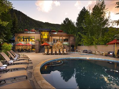 Summer Rates Discount-Gant Resort One Bed-Fireplace, Pool, Hot Tub, Gym, Shuttle