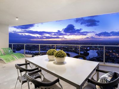 Photo for Stunning 3 bed 3 bath Sub Penthouse in Surfers- sleeps 10