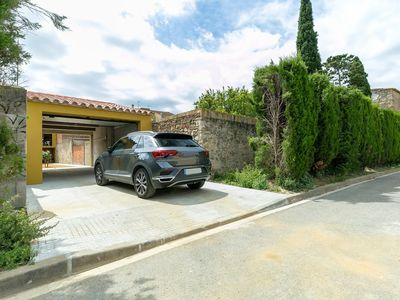 Photo for Beautiful house with garden in Castelló d'Empuries.