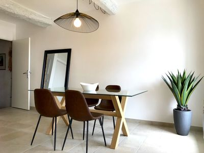 L'appartement d'Antoine - dining-table
