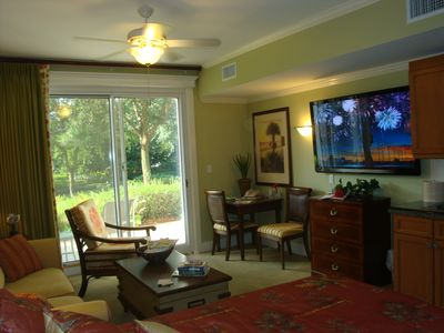 Enjoy this KING suite & 60' HDTV with a large library of movies waiting for you.