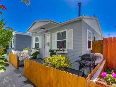 Quintessential Beach Cottage! Centrally Located, Walk to ALL!