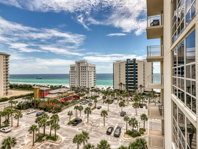 Photo for Waterfront studio w/ balcony - swimming pool, fitness center & shared grills