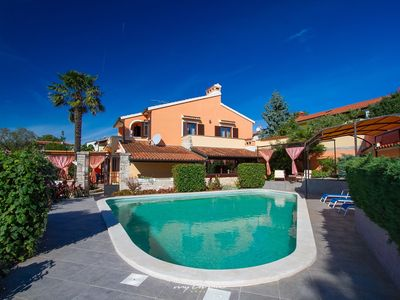 Photo for Amazing villa with pool for active family holidays