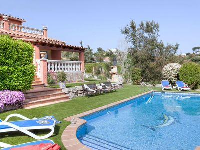 Photo for Wonderful private villa for 10 guests with WIFI, private pool, A/C, TV and parking