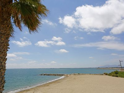 Photo for 4 bedroom Apartment, sleeps 6 with Air Con and Walk to Beach & Shops